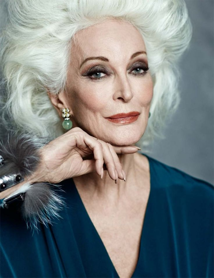 Carmen Dell'Orefice, it's not only a beautiful name, she is also the worlds oldest working (super) model and she turned 84 about a month ago.
