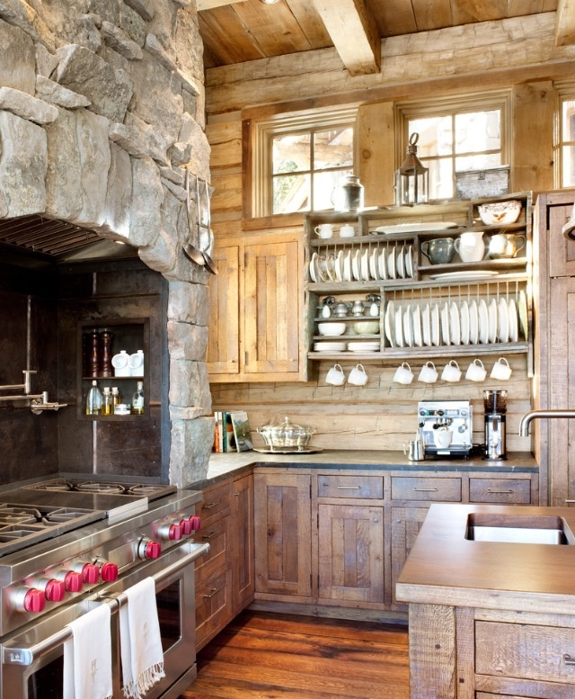 How is this for an absolutely amazing kitchen...