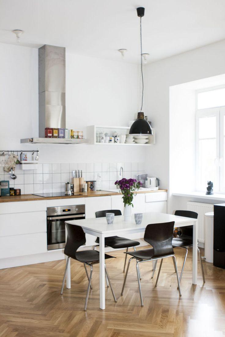 Biała kuchnia - co ma się znaleźć nad kuchennym blatem? - Myhome