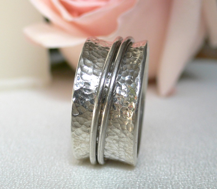 Silver Meditation Band - Hammered and Tapered with 2 Moveable Rings. $105.00, via Etsy.Meditation Band, Jewelry Fashion, Tapered, Silver Meditation, Band Rings, Hammer, Stylish Band, Moveable Rings, Engagement Rings