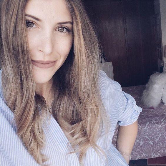 Hey girls ❣️ hoje no blogue trago 5 dicas para acabar com a oleosidade do cabelo, espero que gostem.