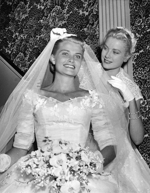 Grace Kelly and sister lizanne at Lizanne's wedding.