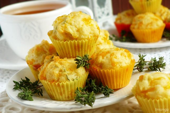 Сырные маффины с тимьяном