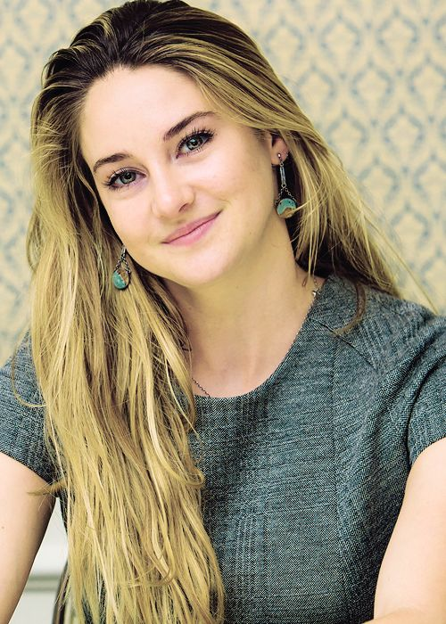 Shai..... She is so GORGEOUS, but I do miss her hair like this!