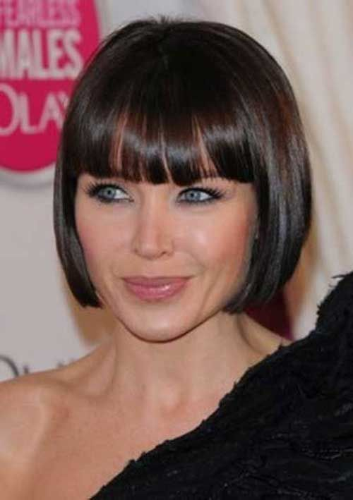 Super Blunt Bob with Bangs | http://www.short-hairstyles.co/super-blunt-bob-with-bangs.html