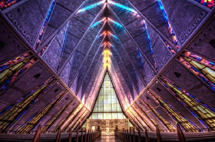 Templos Religiosos - Capela da Academia da Força Aérea, em Colorado Springs, nos EUA