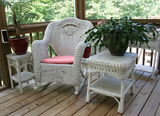 I can see sitting down here with my Kindle and a tall glass of iced tea and let the world go by,: Colors Red, Rocks Chairs, Wicker Rocks, Pixabay Libraries, Tall Glasses, Colors Blue, Backyard Decks, Ice Teas, Front Porches