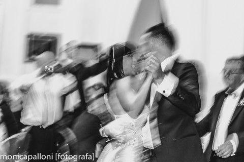 #blackandwhite #love #amore #biancoenero #party #marriage #matrimonio #festa #wedding #foto #photo #reportagedamatrimonio #fun #divertimento #happy #smile #sorrisi #sposi #marriedcouple #felicità #monicapallonifotografa #photographer