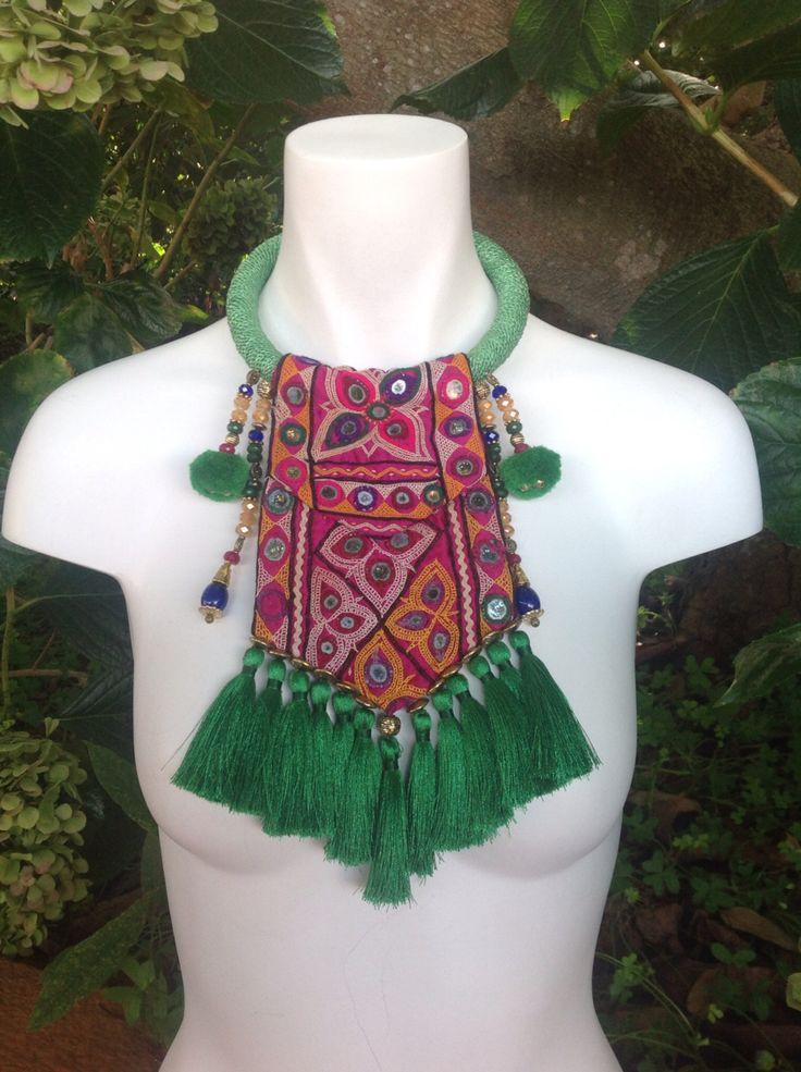 Collar tela india vintage y abalorios