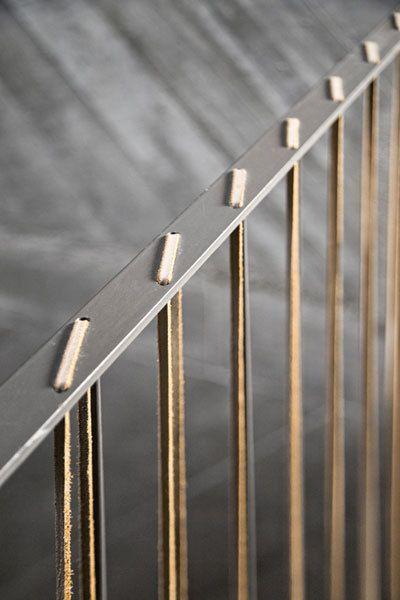 Rampes barrière en cuir