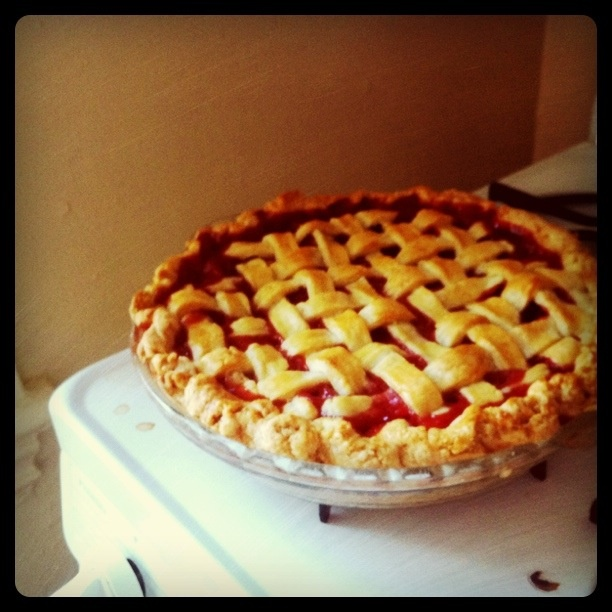 ... .com/recipes/food/views/Lattice-Topped-Strawberry-Rhubarb-Pie-4459
