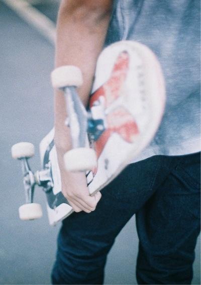 #skateboard http://www.iseeyouhavemadeaneeboard.whatsthatallabout.com