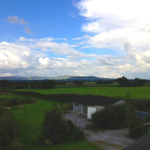 Beautiful Views .... Gotta love the English Countryside