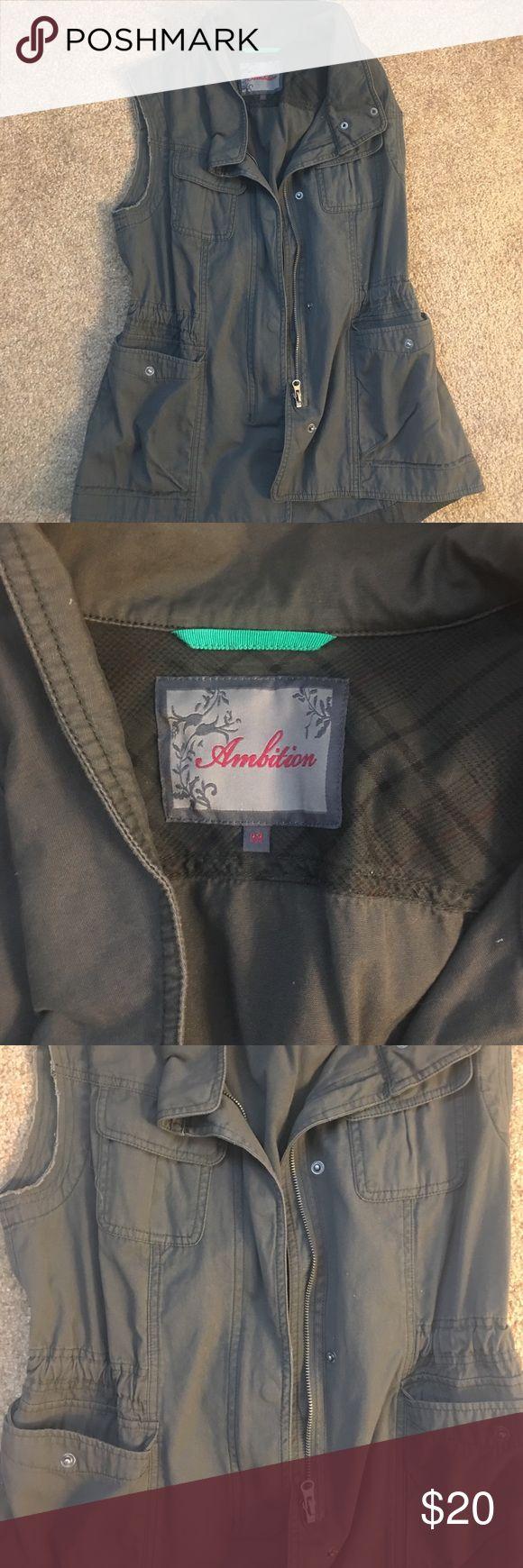 Olive green cargo vest Preppy green cargo vest with drawstring waist *never worn* got on Nordstrom's semi annual sale Nordstrom Jackets & Coats Vests