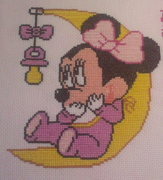 Ricamo a punto croce Minnie sulla luna. Idea regalo per bambina. Baby Cross stitch https://www.etsy.com/it/shop/Creativaconagoefilo