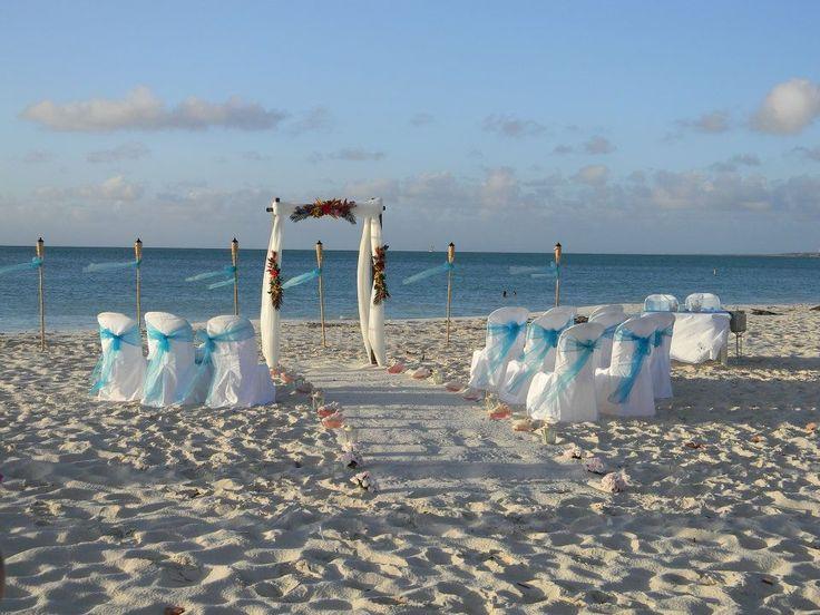 Hervorragend In Aruba! Www.hibiscustravel.net #HibiscusTravel @travelhibiscus  #destinationweddings #CaribbeanWeddings