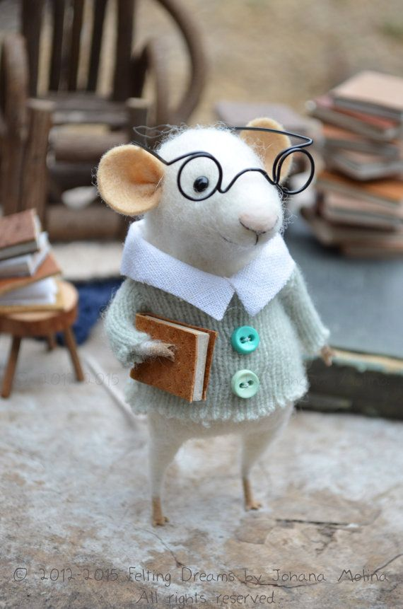 Little Reader Mouse  Felting Dreams  READY TO by feltingdreams, $88.00