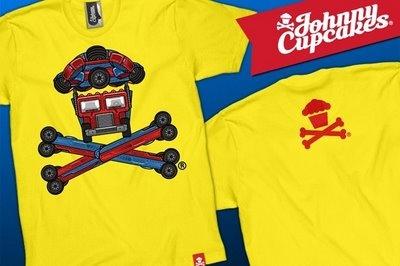 Transformers x Johnny CupcakesTransformers, Cupcakes Custom, De Johnny, Johnny Cupcakes, T Shirts, Cupcakes Rosa-Choqu