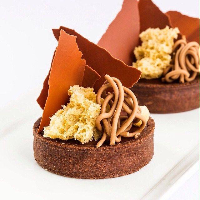 Gianduja Chocolate tart for my hands on class @sweetobsessionbkk Bangkok #valrhona #bachour Credit: Photo taken by @popfolio91@anotherpopfolio | by Pastry Chef Antonio Bachour