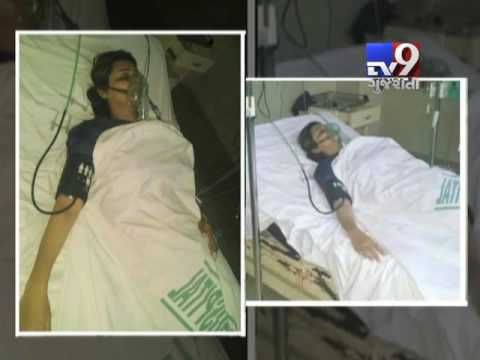 A Pakistani popular television host on local news channel Abb Takk was allegedly poisoned by a fan on Sunday. Sana Faisal, the host of Abb Takk's 'Khufia' programme, was allegedly approached by a minor 'fan' on Sunday.  Subscribe to Tv9 Gujarati https://www.youtube.com/tv9gujarati Like us on Facebook at https://www.facebook.com/tv9gujarati Follow us on Twitter at https://twitter.com/Tv9Gujarati Follow us on Dailymotion at http://www.dailymotion.com/GujaratTV9