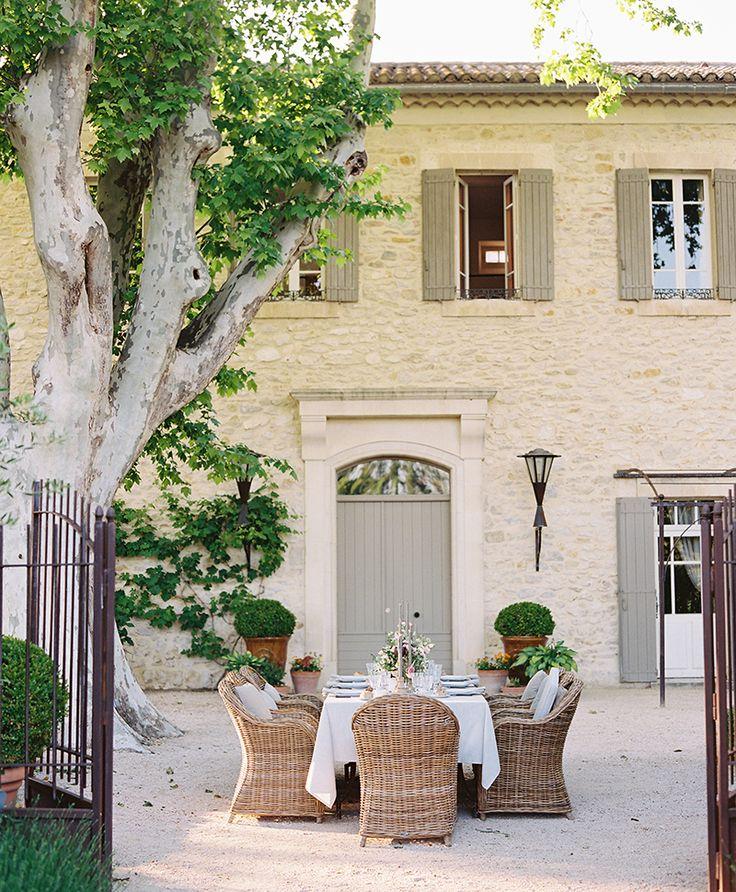 Flutter Magazine – Summer Dinner Party in Provence at Domaine Clos Saint Esteve …