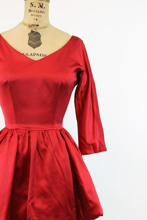 años 50 vestido XS satén rojo vestido Vintage de por CrushVintage