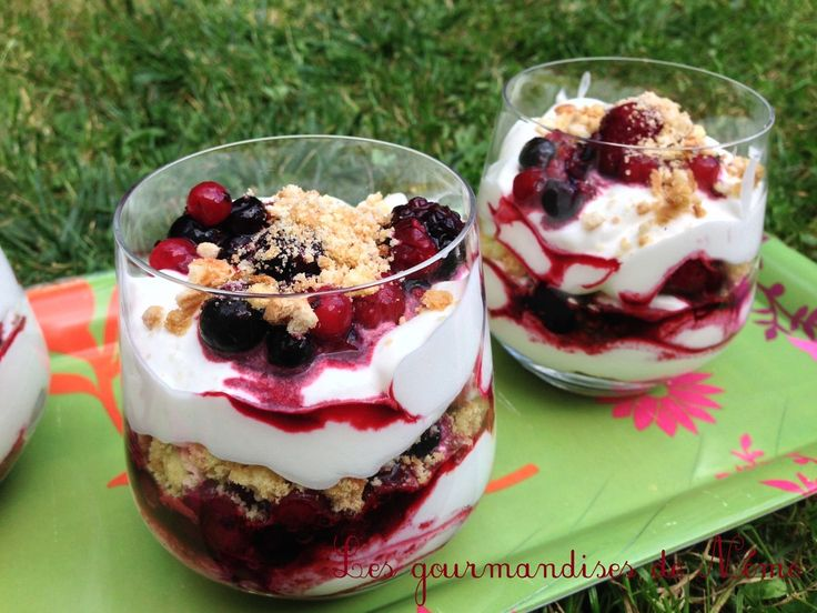 25 best ideas about verrine fruit on pinterest mousse framboise mascarpone tiramisu fruits. Black Bedroom Furniture Sets. Home Design Ideas