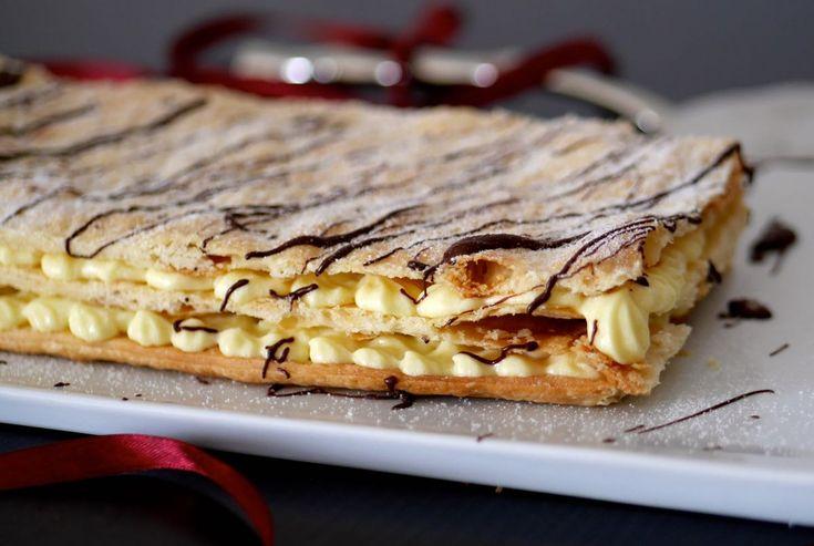 Millefoglie con crema diplomatica, un dessert fra i più classici, sempre apprezzato da grandi e piccini.