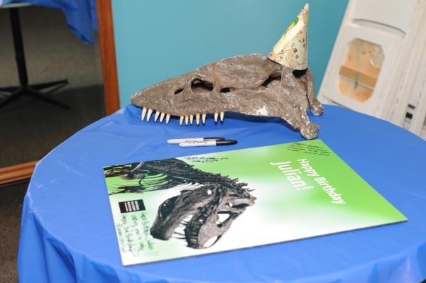 detail561_600x399History Dinosaurs, Birthday Parties, Guest Signs, War Parties, Parties Ideas, Parties Birthday, Dinosaurs Parties, Nature History Museums, Birthday Ideas