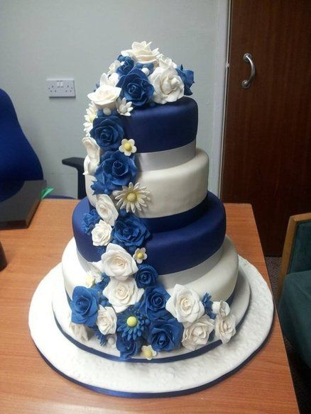 Navy Blue And White Rose Parade Wedding Cake Cakes