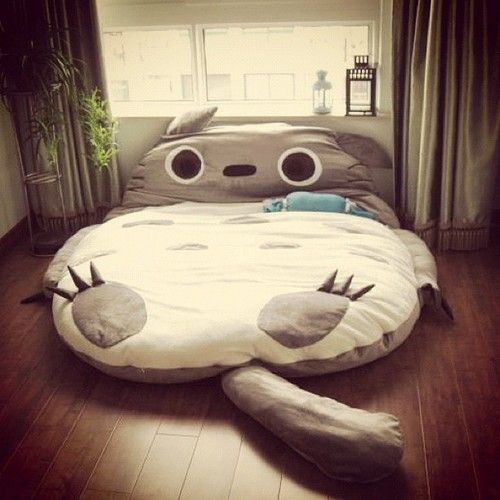 Totoro bed - Oh my gosh, this is adorable! WANT :) I mean.... My future kids will love this... _