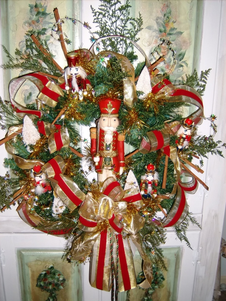 Nutcrackers wreaths and wreath ideas on pinterest for 4 foot nutcracker decoration