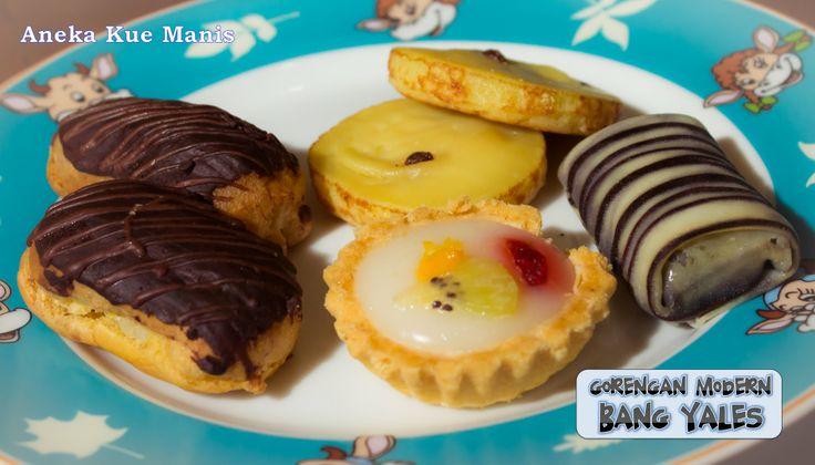 Aneka kue manis yang lezat dan menggoda, cocok untuk pesta atau arisan. Hubungi kami di 081298796700 atau pin BBM 223EE14C