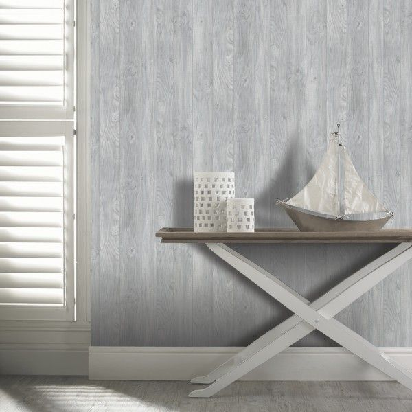 Tapeta w szaro-białe deski pasuje do urokliwego stylu Hampton.