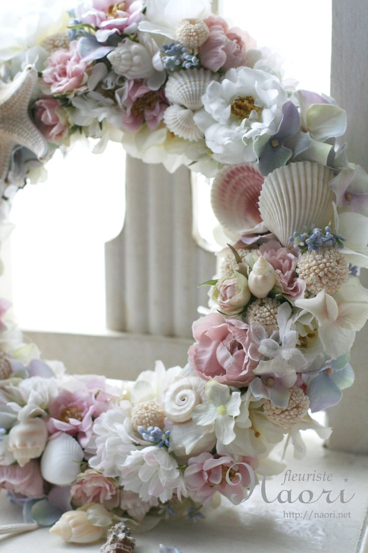 Shell and Roses Wreath