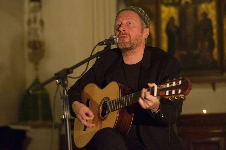 DISPARITION - De son vrai nom Colin Vearncombe, l'auteur du célèbre tube planétaire des années 80 avait été victime d'un grave accident de voiture le 10 janvier 2016, en Irlande. Le chanteur est décédé à l'âge de 53 ans, après 26 jours dans le coma.