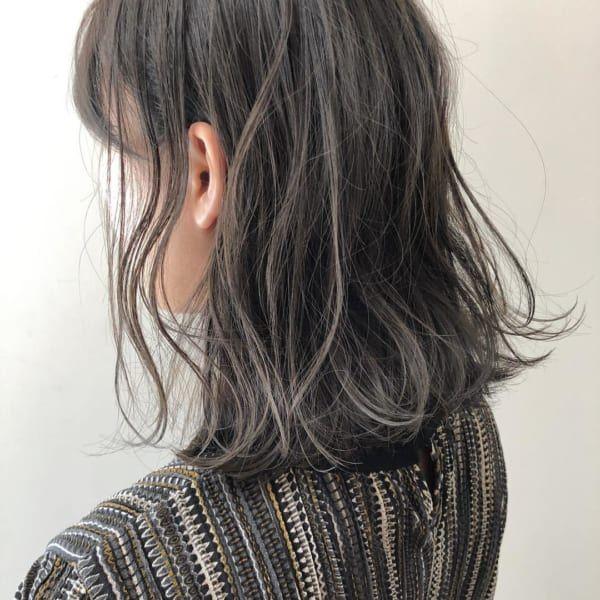 黒髪 ハイライトでトレンドスタイルに 外国人風の透明感を叶えよう