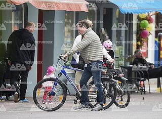 The Swedish Royal family was spotted going for a bike ride on Ölland