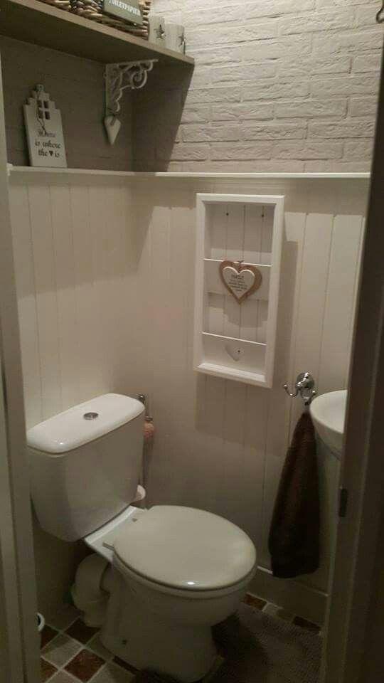 Landelijke inrichting van het toilet