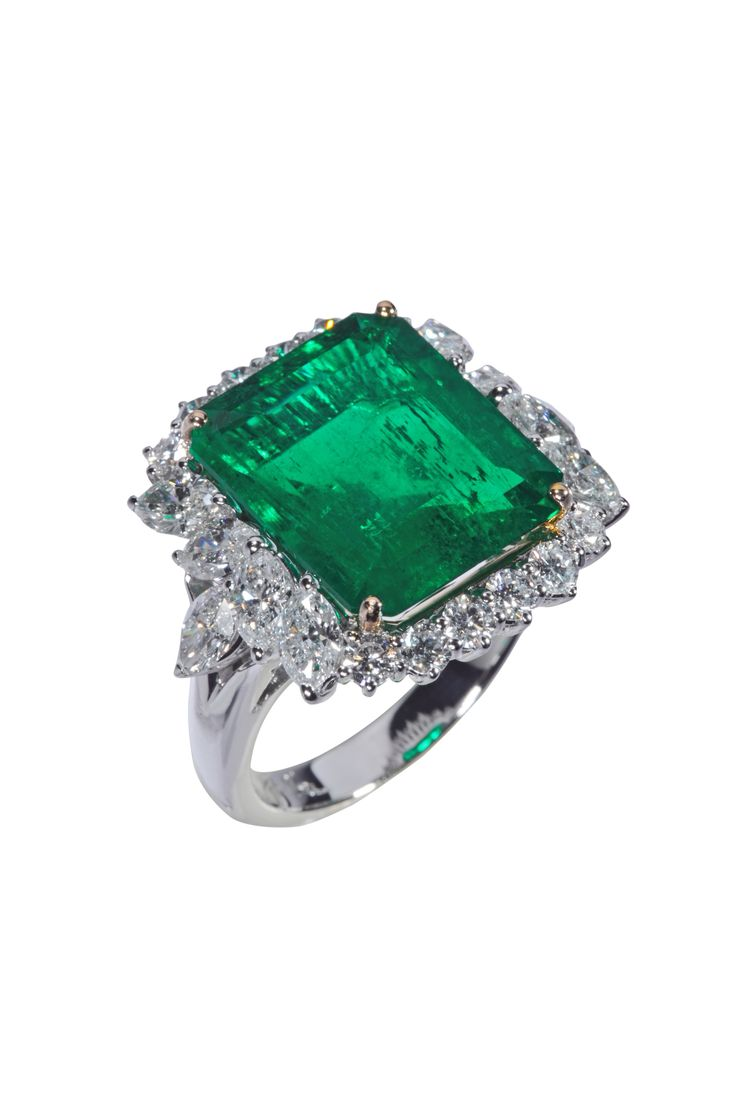 Colombian Emerald and Diamonds