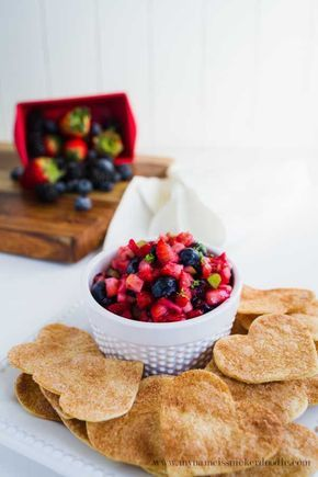 Fruit Salsa with Cinnamon Chips Recipe | mynameissnickerdoodle.com