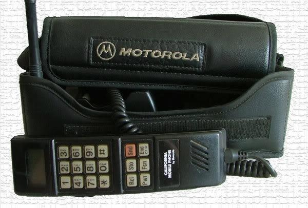 LOL my dad had one of these first cell phones!!!!