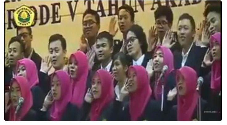 Bukan Himne Kampus Tapi Lagu Ini yang Dinyanyikan Grup Paduan Suara Universitas Jember saat Wisuda