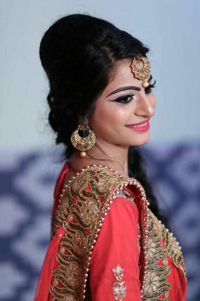 Best Beauty Academy Hair Institute| Makeup School in Ludhiana  Special placement drives are conducted by the institute for better placements of candidates taking training in beauty and makeup trends at 99 Institute. Consult us for better career and placement cell for job orientation process.