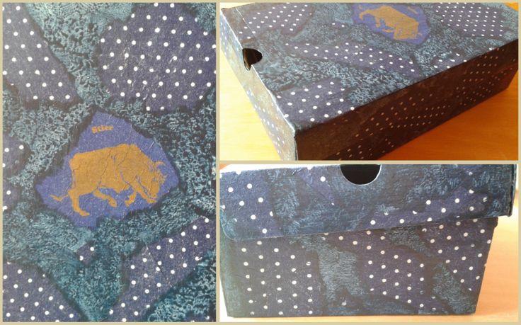 Bikás-pöttyös kék doboz