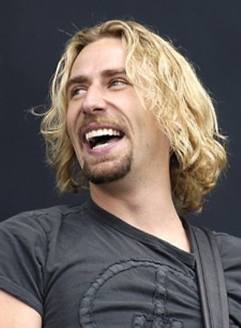 Chad Kroeger - One of my favourite voices :-)<-- I don't know who this person is, and that makes me happy. Chat Kroeger? Really?!