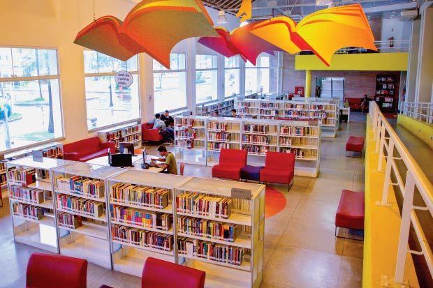 Biblioteca publica na favela de Manguinhos