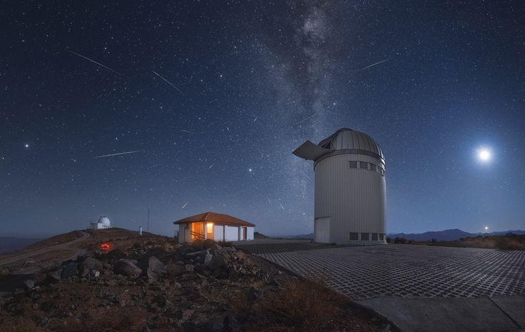 Lyrid meteor shower as seen from Atacama Desert Chile