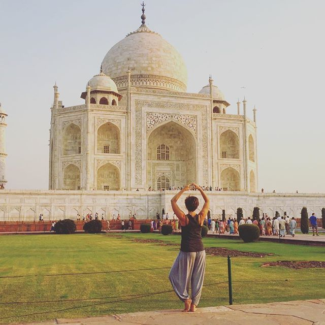 Amazing to see our Aikki hareem pants have travelled all the way to the Taj Mahal! ✨ thanks for the gorgeous picture @yummyogagirl_