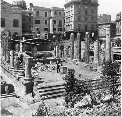 Roma - Largo di Torre Argentina  1900